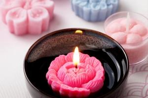 日本製キャンドルだから安心して贈れる、お花のキャンドルギフト